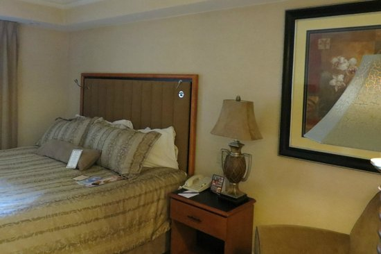 BEST WESTERN PREMIER Eden Resort & Suites: Room