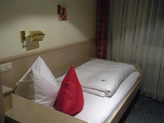 Hotel-Gasthof am Selteltor : Letto