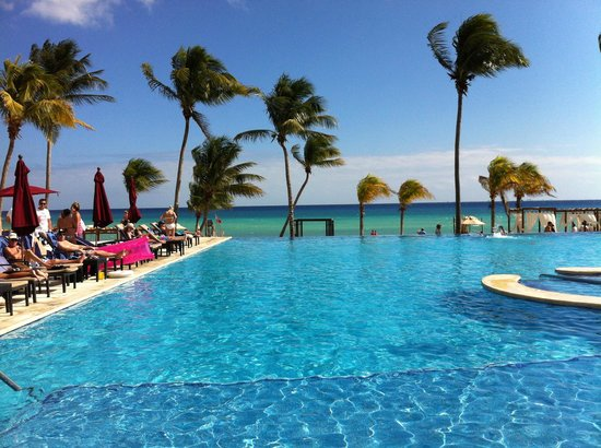 Azul Beach Resort The Fives Playa Del Carmen: Infiniti Pool