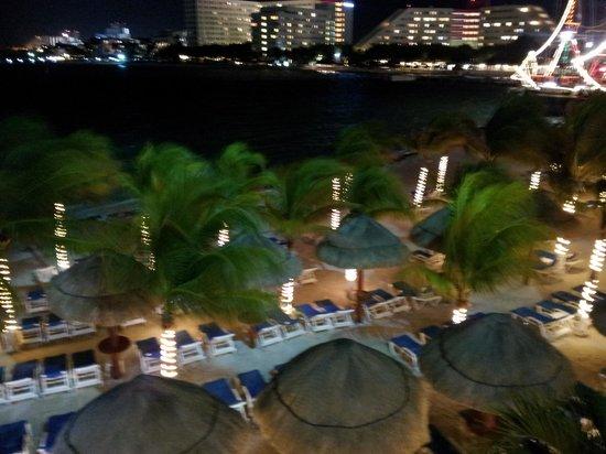 Occidental Costa Cancun: Vista nocturna