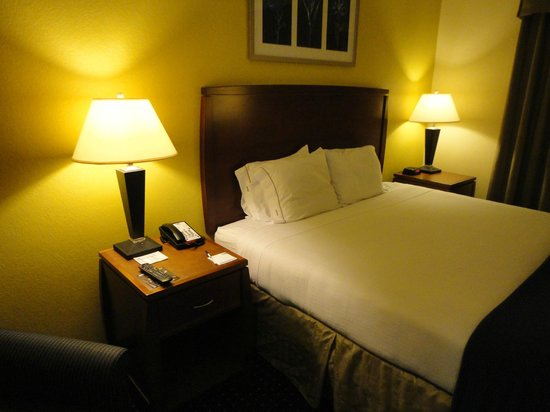 Holiday Inn Express Miami Airport Doral Area: chambre