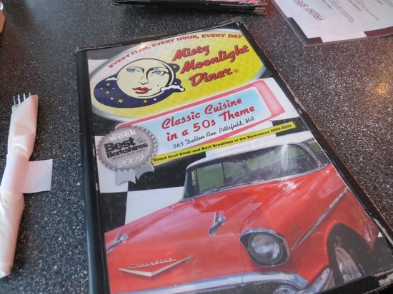 Misty Moonlight Diner: Nostalgic feel of an old fashioned diner