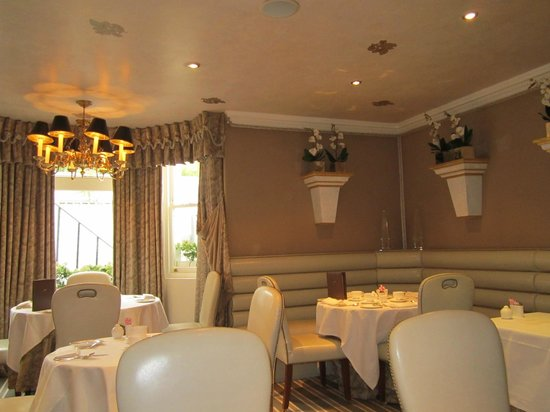 Egerton House Hotel: breakfast room