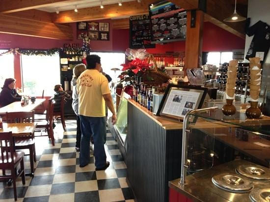 Trinks: sandwiches, salads, desserts, and coffee drinks - inside and outside seating