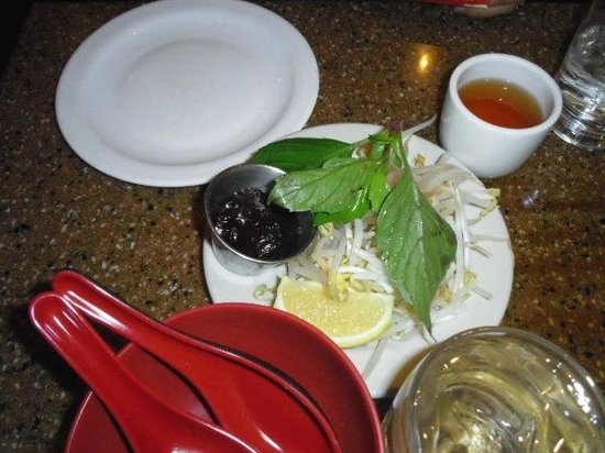 Saigon Grill -- Broadway: 料理1