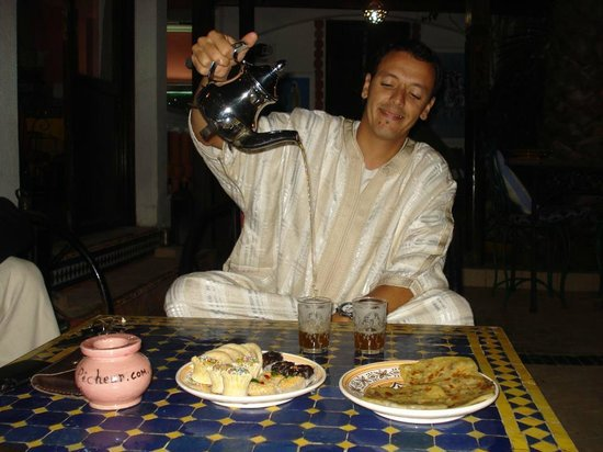 Safi Surf Camp: Moroccan tea time