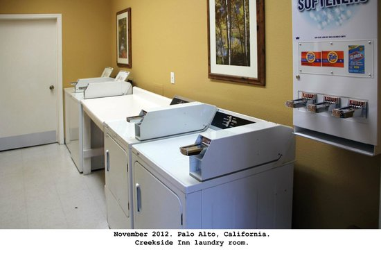 Creekside Inn - A Greystone Hotel: Coin laundry room ($2.75 total for soap, wash & dry)