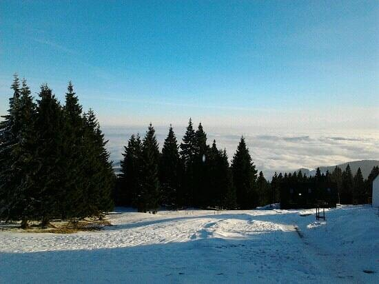 Rogla Hotel: Sea of clouds... Amazing view from our room.