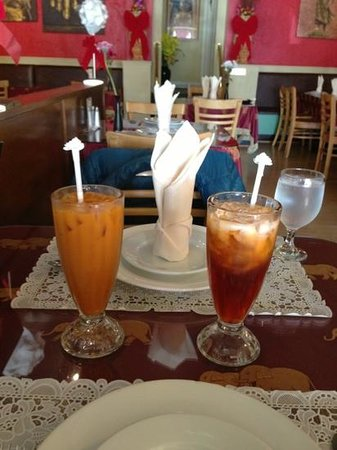 Benjarong Thai Cuisine : Thai tea on our 25th anniversary