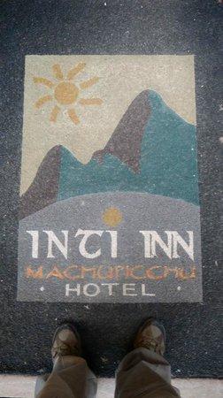 Inti Inn Hotel: Paillasson