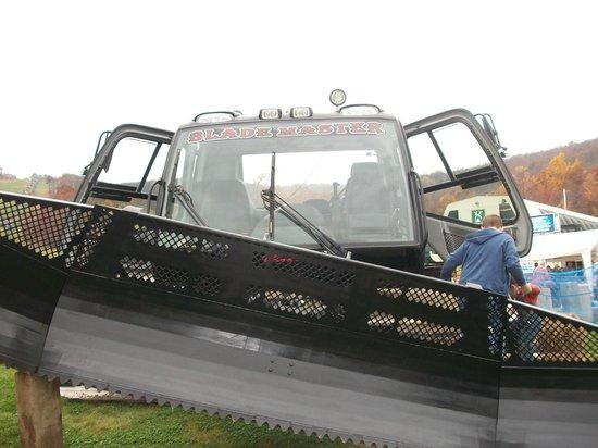Whitetail Mountain Resort: Whitetail's grooming vehicle