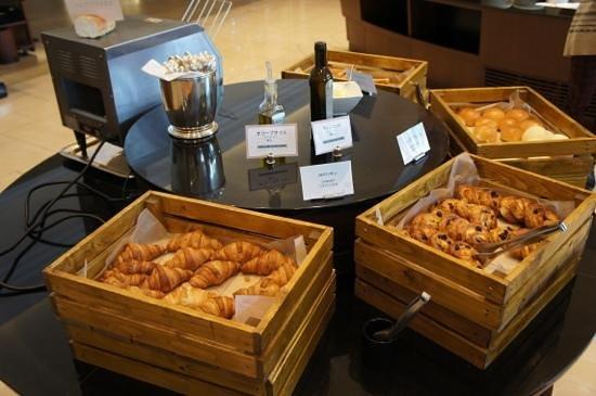 SantaMonicanokaze: viennoiseries au petit-dejeuner
