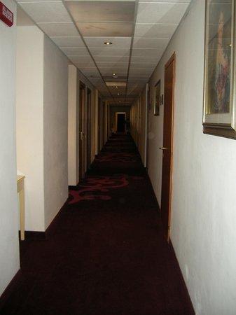 Venice Times Hotel: Hotel Corridor