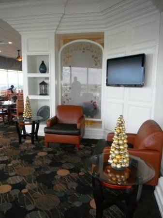Holiday Inn Charleston Riverview : Harborview Restaurant sitting area