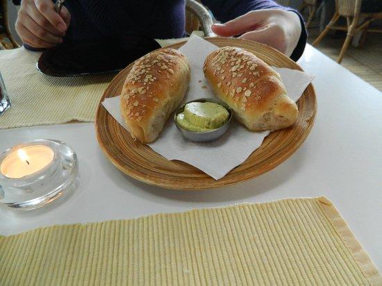 Garbos Gazebo: bread