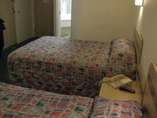 Motel 6 Moab: bed