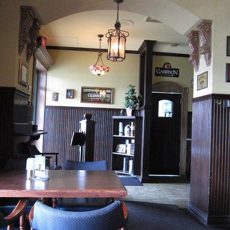 Finbar's Irish Pub: Welcome to Finbar's