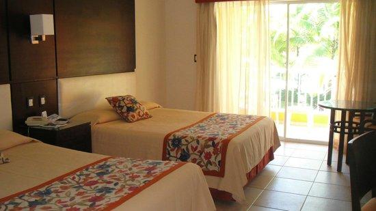 Caribe Club Princess Beach Resort & Spa: La chambre 