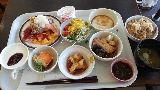 Hotel Hokke Club Oita: 料理の品数豊富。