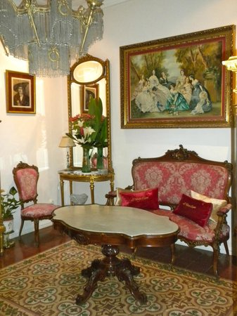 Hostal L' Antic Espai: Sitting Room
