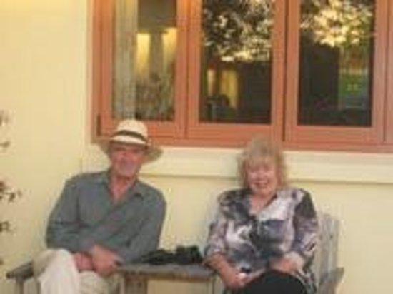 Greenacres B & B: Derek & Dorothy Burt - owners
