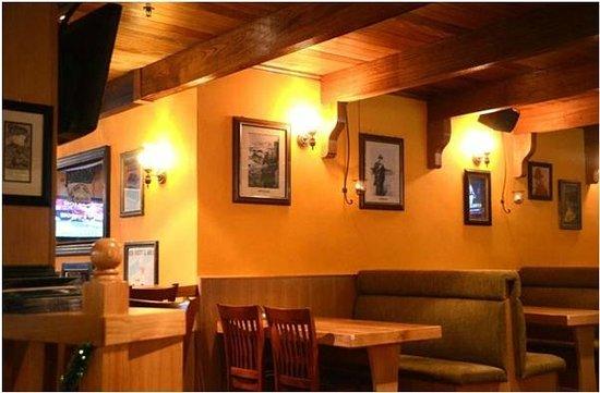 Healy Mac's Irish Bar & Restaurant : Interior