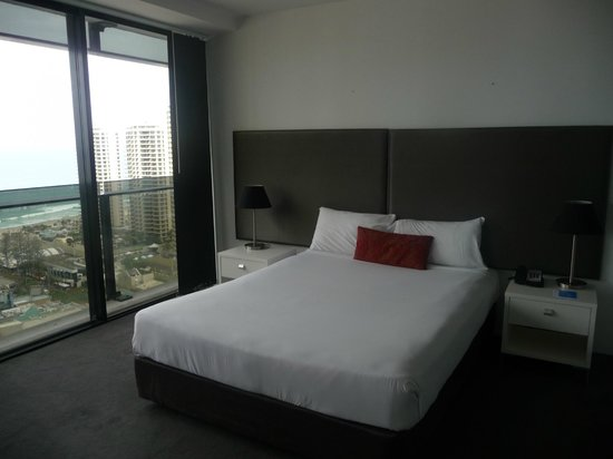 Mantra Circle on Cavill: Bedroom