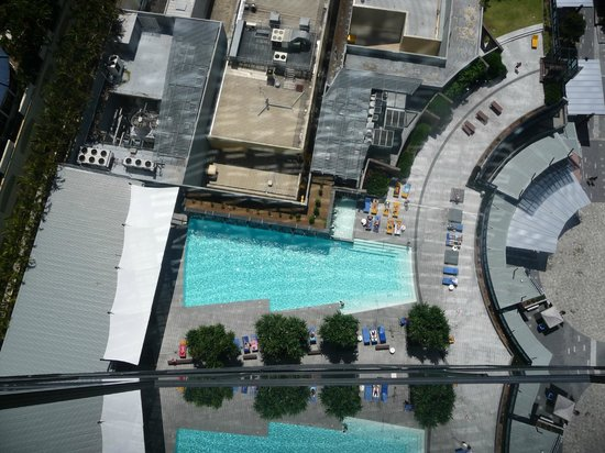 Mantra Circle on Cavill: Pool