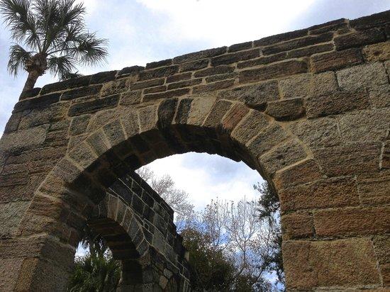 Sugar Mill Ruins: Arch
