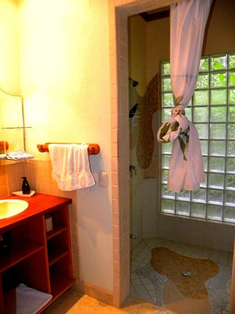 El Nido Cabinas: Excellent shower