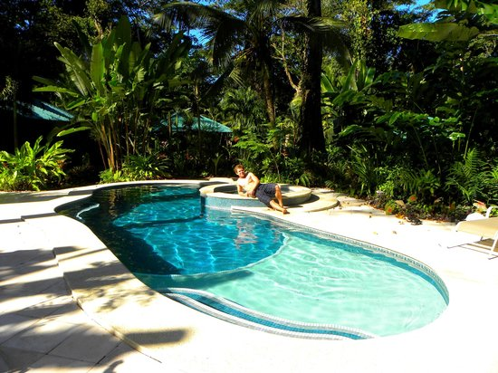 El Nido Cabinas: Lagoon-like pool