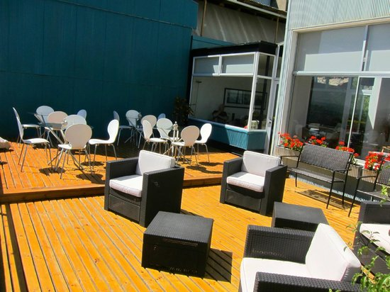 Ultramar Hotel: The patio