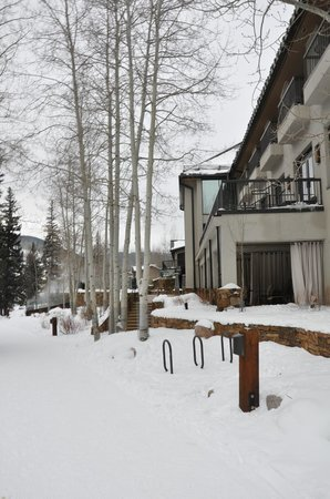 Vail Cascade Resort & Spa: Back area