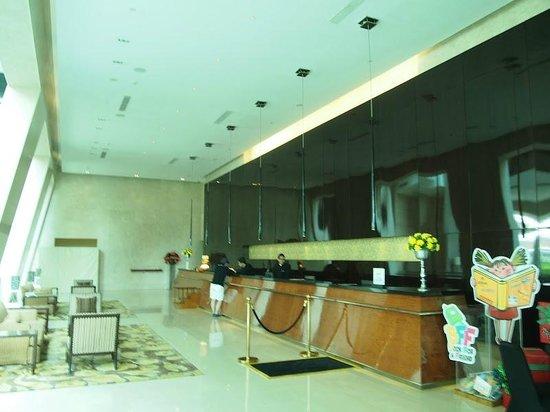 Hilton Bandung: Reception