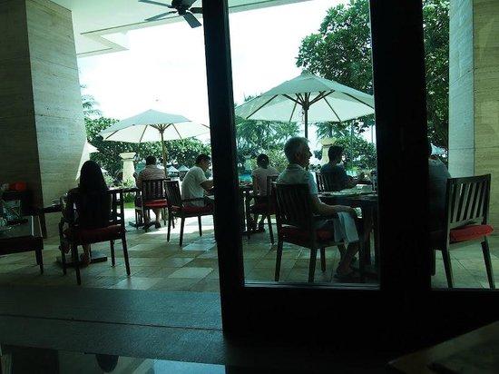 Conrad Bali: Main breakfast
