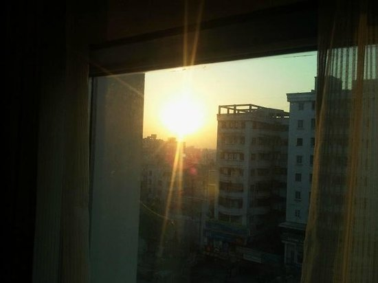 Four Points by Sheraton Vadodra: Welcome Morning Sun Rays