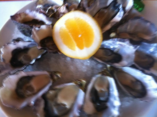 Flour + Water: Freshly shucked oysters