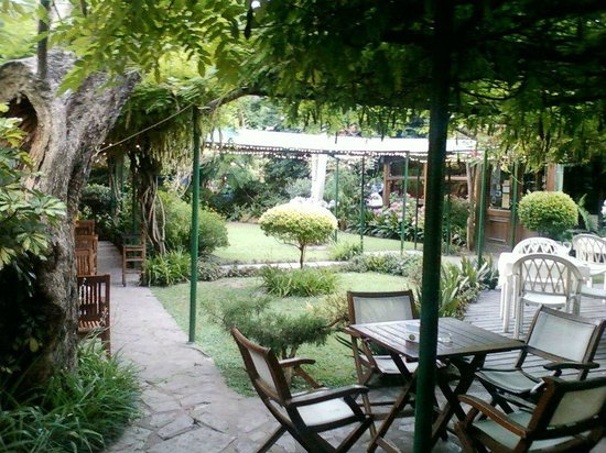 Adrogue, Argentinien: Un jardín de ensueños