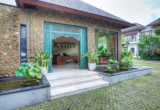 Kampoeng Villa: lobby