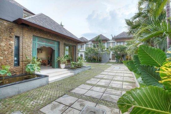 Kampoeng Villa: Lobby outdoor