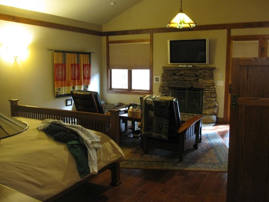 Five Pine Lodge & Spa: What a beautiful cabin!
