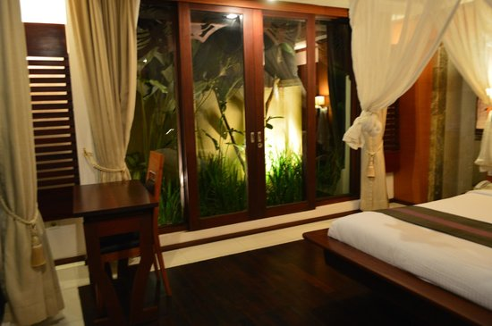 Pat-Mase, Villas at Jimbaran: In our room, surrounded by greenery