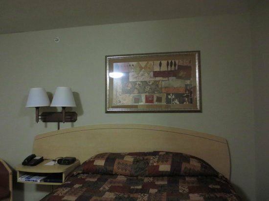 Suburban Extended Stay Hotel Clarksville: Bed