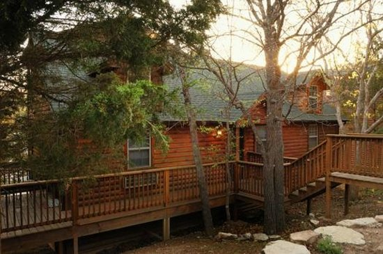Great Branson Cabins: Outside of Moose Hollow-3 bedroom