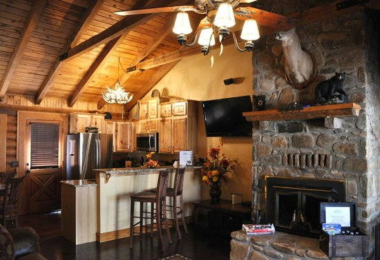 Great Branson Cabins: Inside living rm and kitchen area-Bear Crossing 2 bdrm