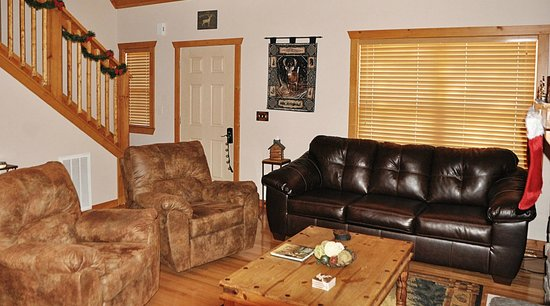 Great Branson Cabins: Living room area-White Tail 1 bdrm