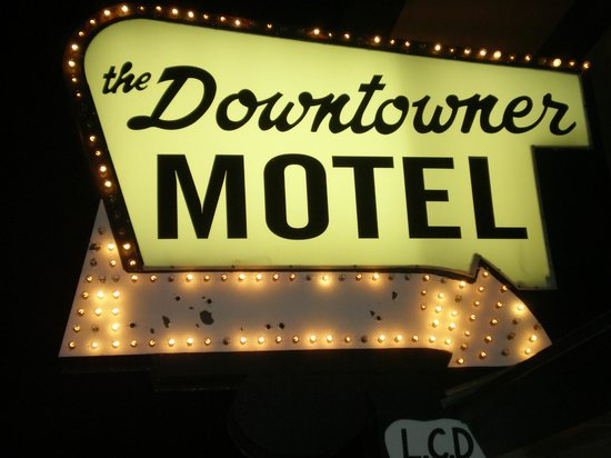 Rodeway Inn & Suites Downtowner-Rte 66: Front Sign #2