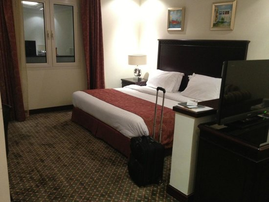 Splendid Hotel Musherib: Bed