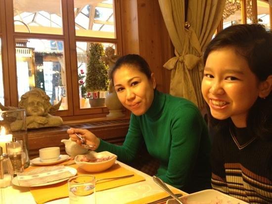 Konditorei Kurcafe: table at kurcafe