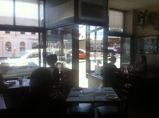 Mean Fiddler: restaurant entrance from inside